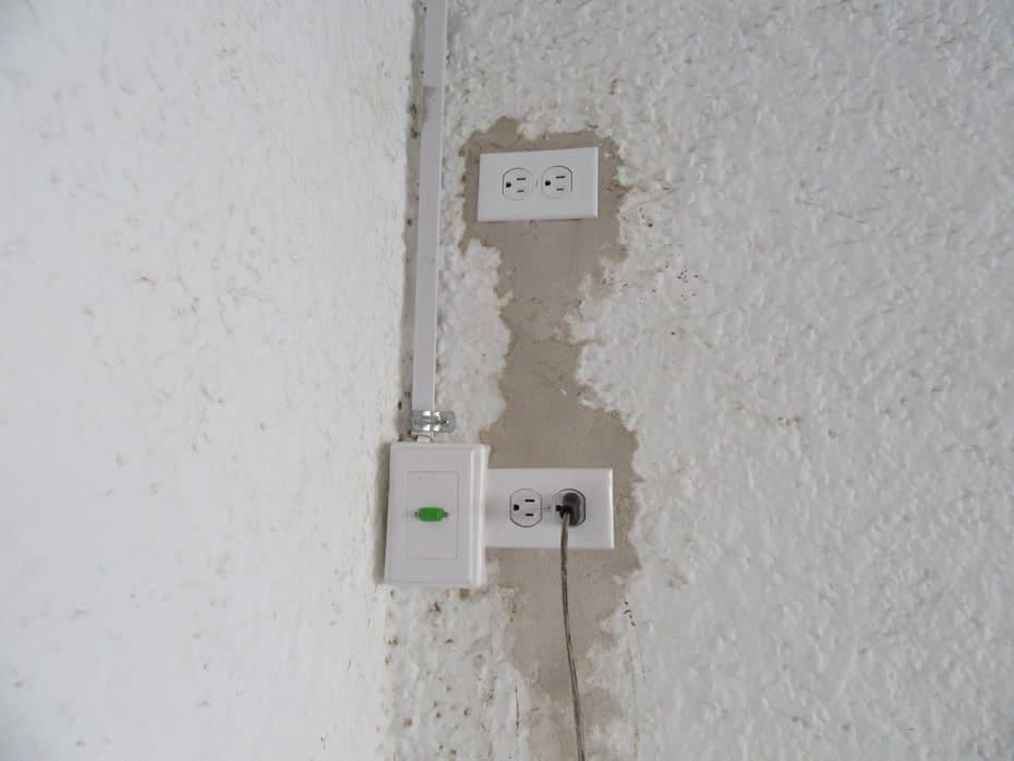 Instalación de caja de video para conectar laptop al proyector