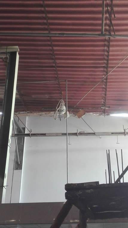 Cámara de seguridad PTZ exterior colocada en area de lavado de pieles