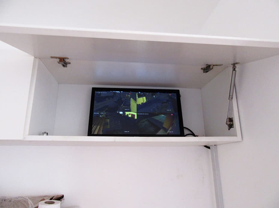Gabinete para monitoreo de cámaras de seguridad, vista frontal